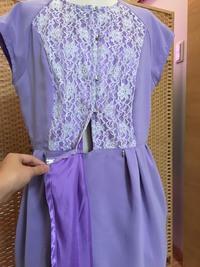 パープル色のドレス