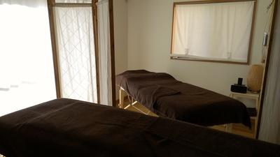 Bed2台、セラピスト2人