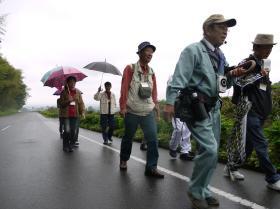 正応寺で田舎歩きとガネ作り体験