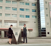 親がドキドキの入学式。