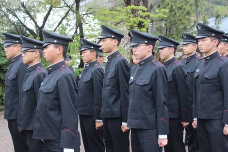 陸上自衛高等工科学校入校式 : ...