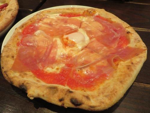 ピザとは違うのだよ!ピザとは!!
