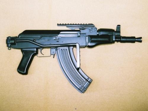 そんな薄情な我輩ですがコイツは嫁と同じぐらいの存在だと思える武器もあります。 AK47スペツナズというマルイが販売しているサバゲー特化型のAK47。