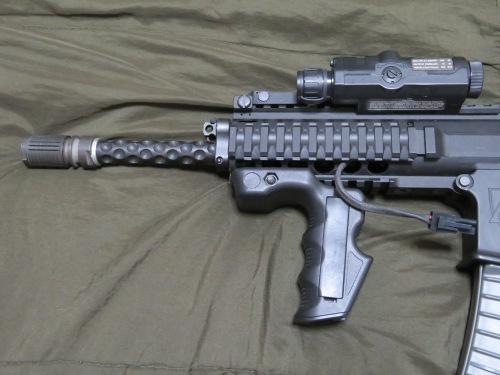 パーソナルディフェンスな武器が欲しい