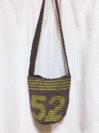 ショルダータイプの麻紐バッグ