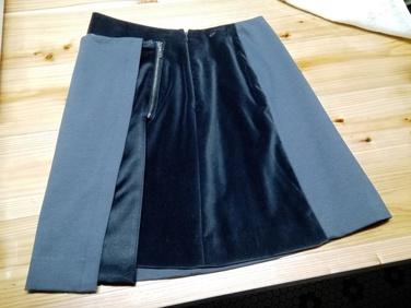 スカート ¥1,200 ほぼ未使用