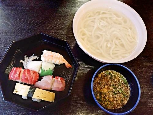 ★高鍋で寿しとうどんを食べるなら私の一押しはやっぱり「小丸新茶屋」★