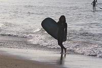 美しいシルエット 女性ロングボーダー