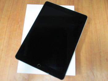 新品☆au iPad Pro 32GB★MLPW2J/A☆9.7インチ★買い取りました♪