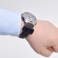 どんな時計もスマートウォッチに、重さ4gのiPhone向け通知デバイス