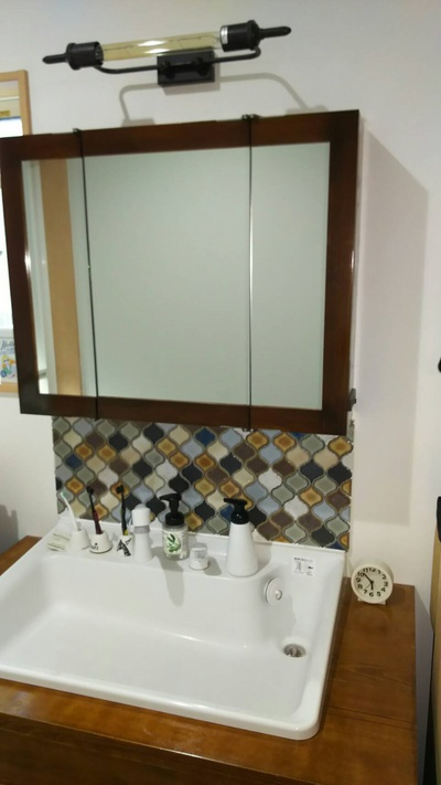 洗面化粧台のリフォーム。