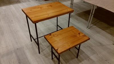 「子ども用アイアンのテーブル&椅子」ココクラマルシェに持って行きます。
