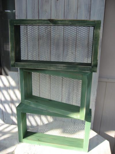 グリーン&ブルーのシンプルな棚