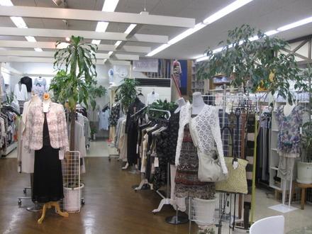 中町 衣料の米田