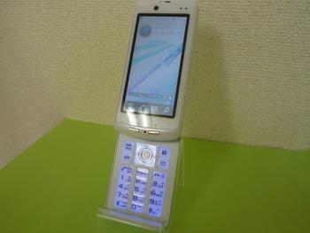 新品同様☆docomo★F-04B☆入荷しました。