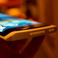 LG、年末にフレキシブルディスプレイ搭載スマートフォンを発表へ