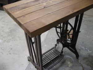 ミシン テーブル。