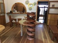 木心ギャラリー!螺旋の展示台