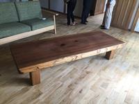 杉の一枚板の座卓