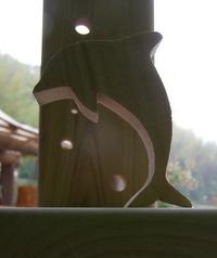 鮎椅子製作記4(イルカが飛んでいます!)