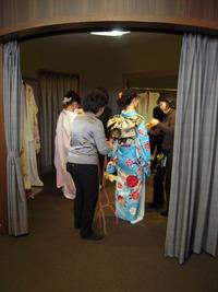 次は振袖ファッションショー