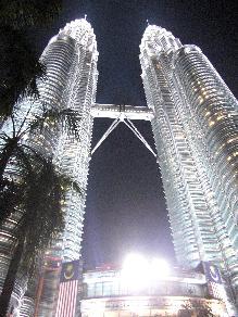 僕、入国審査せずにマレーシアに来ちゃったんだけど。。。
