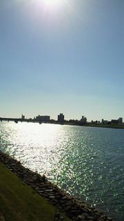 キラキラ光る大淀川