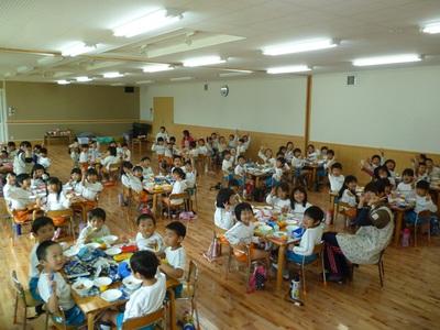 HIGASHI食堂!オール年長!